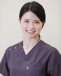 歯科医師 小林千鶴